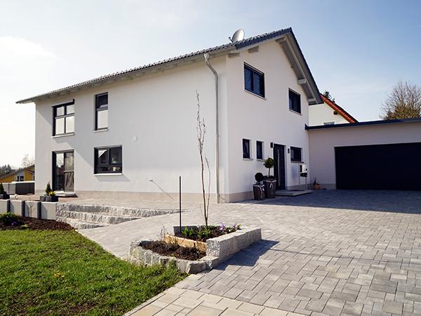 Schlüsselfertig Bauen, HH-Wohnbau GmbH, Industriestraße 17 in Mainleus bei Kulmbach, Nähe Bayreuth