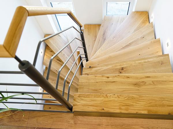 Schlüsselfertig Bauen, Treppe